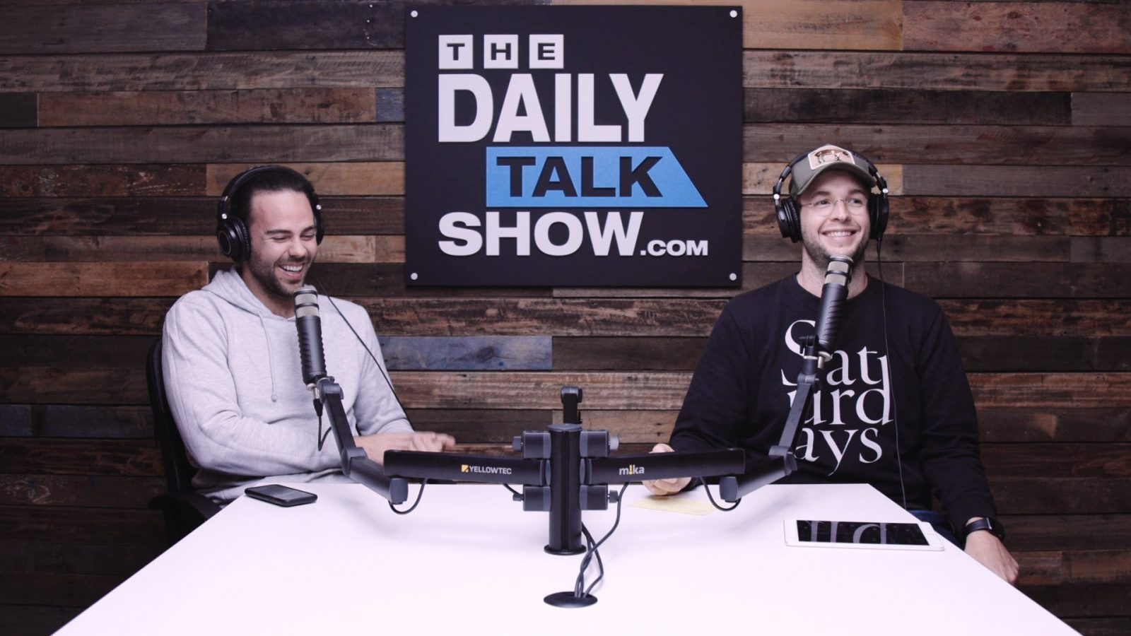 The-Daily-Talk-Show-394