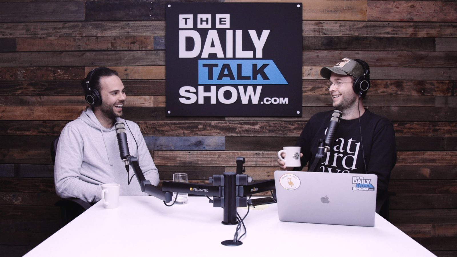 The-Daily-Talk-Show-396