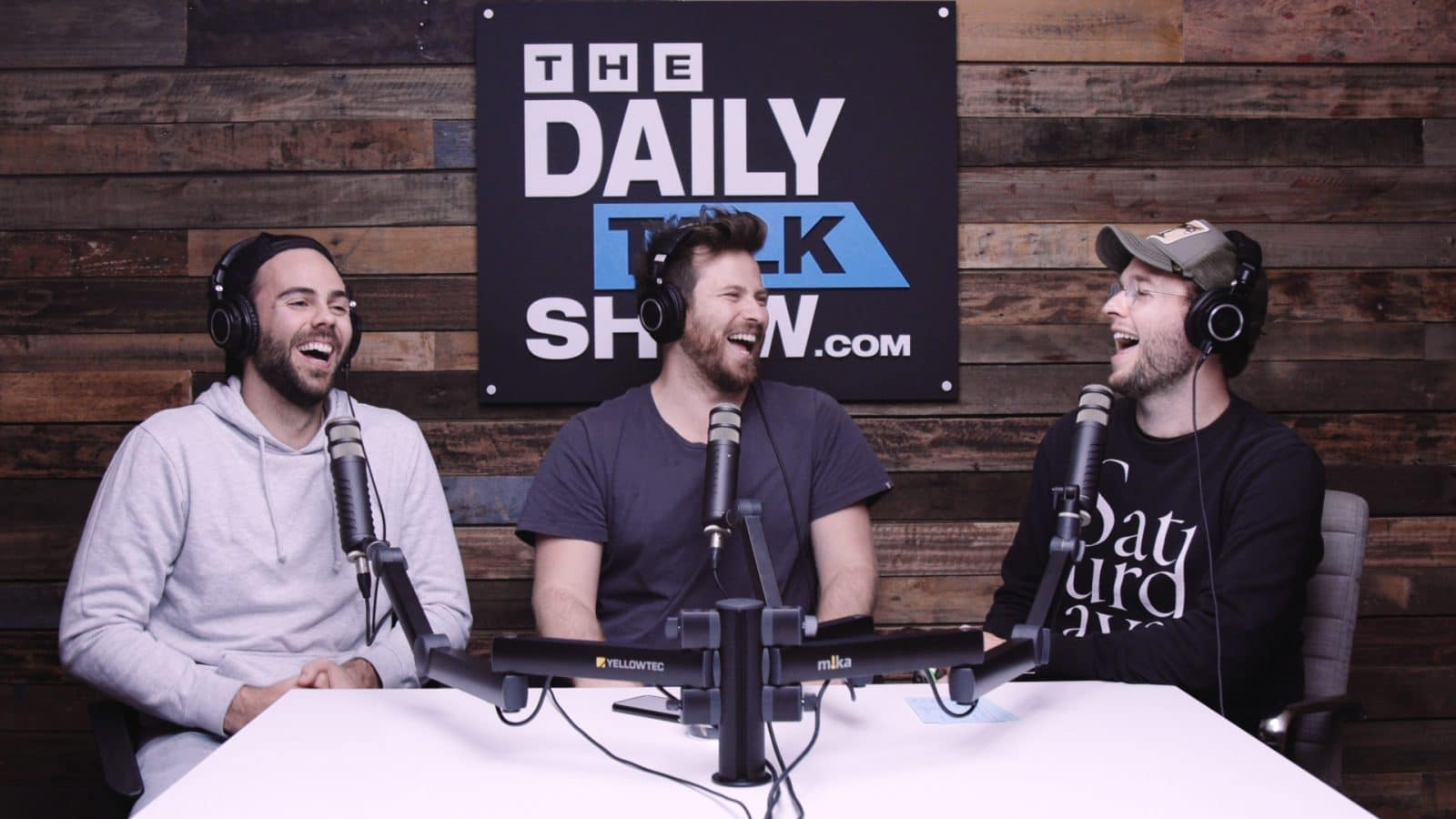The-Daily-Talk-Show-402