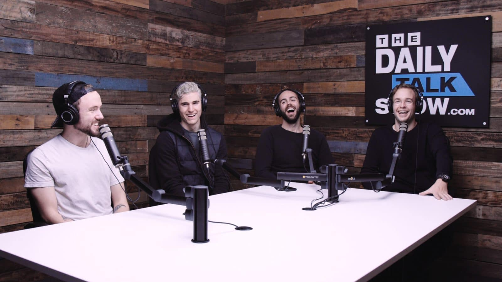 The-Daily-Talk-Show-414