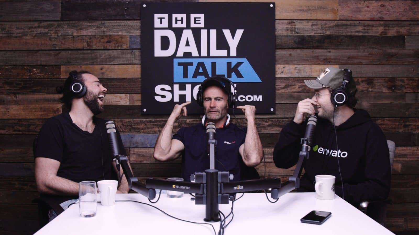 The-Daily-Talk-Show-418