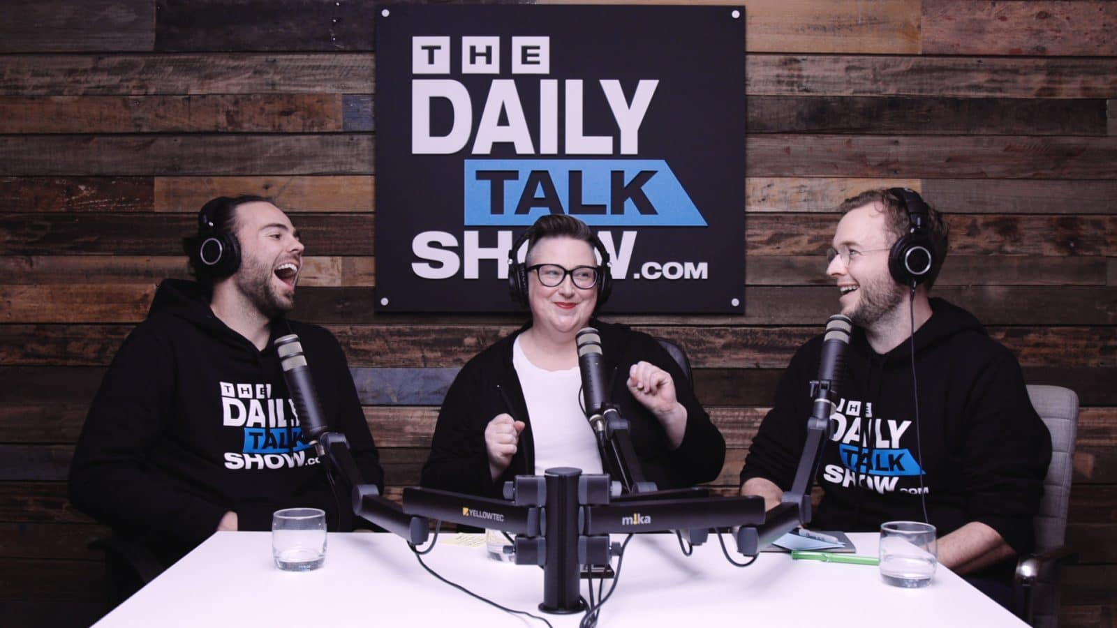 The-Daily-Talk-Show-425