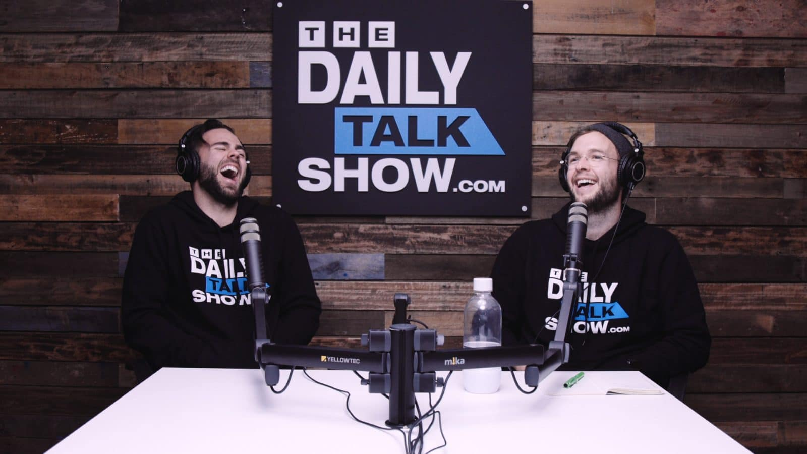 The-Daily-Talk-Show-439