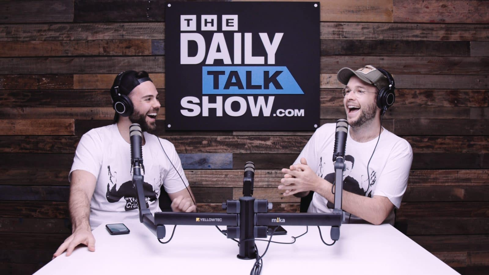 The-Daily-Talk-Show-464
